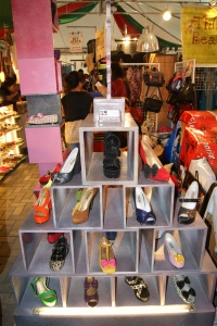 pinoy-shopping-shoes