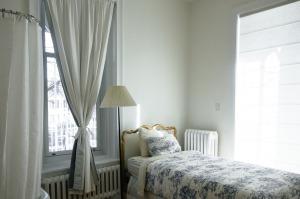 bedroom-690129_1280